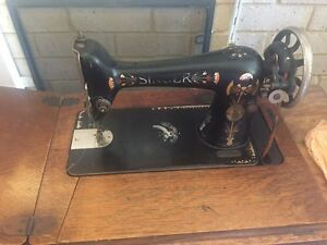 Singer Sewing Machine peddled 1925 Canning Vale Canning Area Preview
