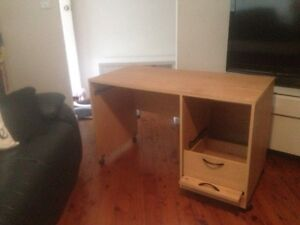 Free Desk New Lambton Heights Newcastle Area Preview