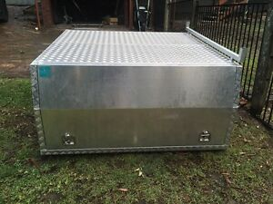 Alloy canopy tool box Valentine Lake Macquarie Area Preview