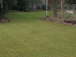 Lawn mowing  and more Labrador Gold Coast City Preview
