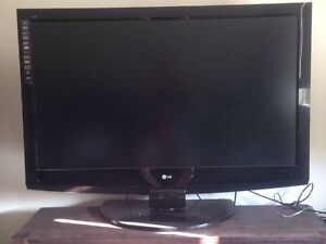 LG 47 inch LCD Television Dakabin Pine Rivers Area Preview