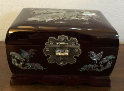Lacquered Mother of Pearl Korean Music Jewelry Box
