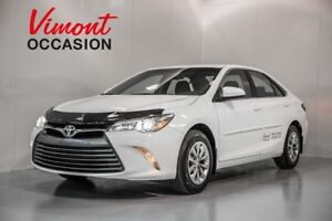 2017 Toyota Camry LE - 2300 D'ACCESSOIRES WOW!