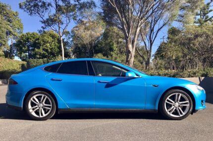 2015 Tesla Model S Hatchback