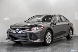 2019 Toyota Camry HYBRIDE LE 1850$ OF ACCESSORY