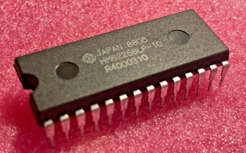 HM62256LP-10 - Hitachi - CMOS Static RAM - 28-pin DIP  - NEW