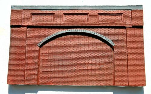 10 X Detailed Model Railway Brick Red Retaining Wall For HO/ OO Plaster New
