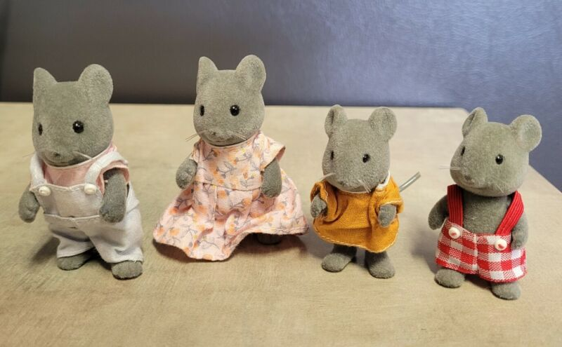 Calico Critters/Sylvanian Families Vintage Thistlethorn Mouse Family of 4