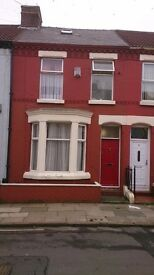 One Double Room to let in house in Kensington £70 weekly (£303.00 monthly)