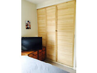 Double room in flatshare with Nursing Student - Beside RGU