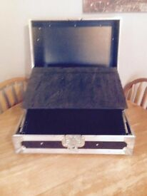 "DJ - DISCO- BAND - SINGER 19"" sloped Rack Mount Laptop Mixer Swan Flight Case (Hex)"