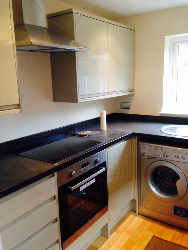 5 BED HOUSE TO RENT IN EAST HAM ! NEWLY REFURBISHED. VERY MODERN AND CLEAN. CLOSE TO EASTHAM STATION