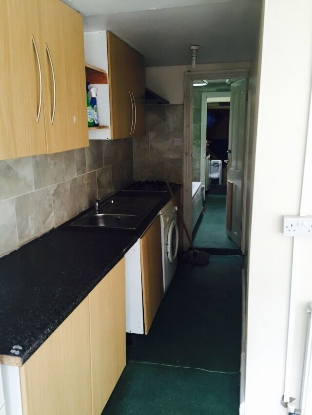 2 BED FLAT in Leyton-Francis Rd for £1300.00 pcm