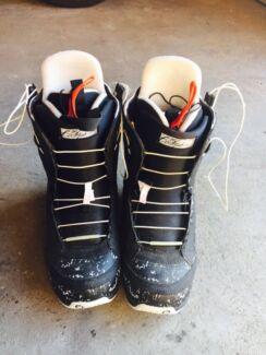 Ladies burton boots  Anna Bay Port Stephens Area Preview