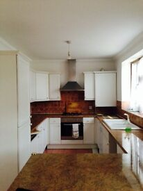 LARGE 4 BED HOUSE TO RENT IN SEVEN KINGS!! 2 RECEPTION ROOMS! 3 BATH ROOMS, LARGE SUMMER HOUSE AVAIL