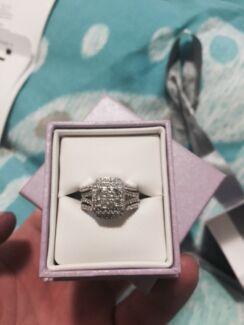 Woman's diamond engagement ring Lambton Newcastle Area Preview