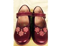 STARTRITE GIRLS SHOES - SIZE 8F BURGUNDY - BRAND NEW
