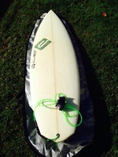 """5'8"""" CLEAR surfboard green fairy,bag, fins and rope. Nambour Maroochydore Area Preview"""