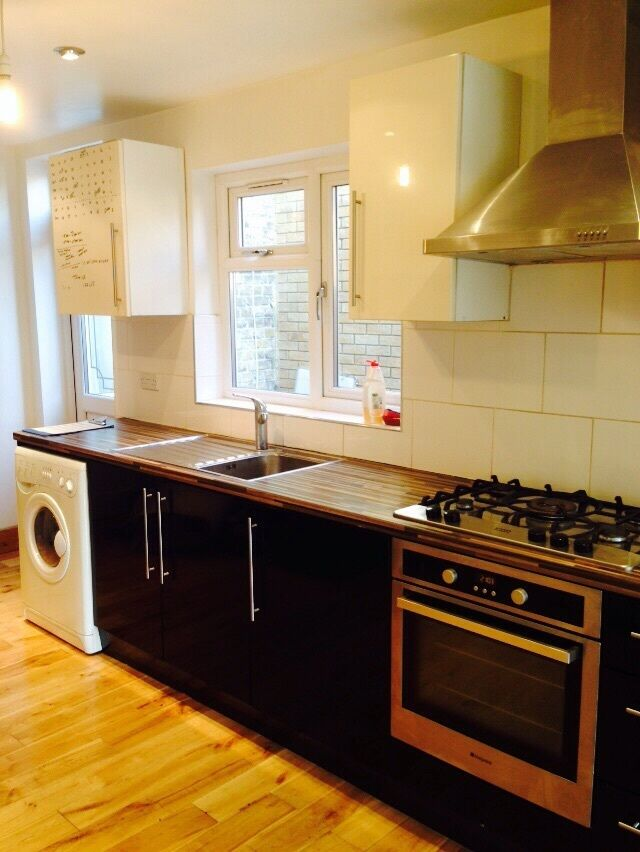 ALL BILLS INCLUDED £1325 -2 BED GF FLAT MANOR PARK .GARDEN 10 MINS TO EAST HAM/MANOR PARK STATIONS