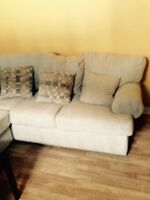 BIG BEAUTIFUL SECTIONAL COUCH FOR SALE
