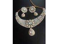 Beautiful necklace set