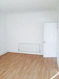 2 BED FLAT IN GOODMAYES. 2 MINS WALK FROM GOODMAYES STATION. ALL NEWLY REFURBISHED. £1250 MUST SEE