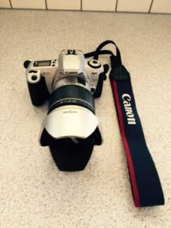 Canon EOS 300 / Rebel 2000 Camera plus accessories Coorparoo Brisbane South East Preview