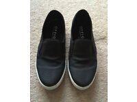 Fashionable black snake kicker unisex shoes