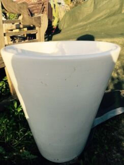 Glazed porcelain Pot Elanora Heights Pittwater Area Preview