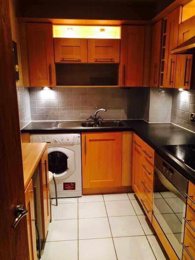 Stratford high street one double room(en-suite) on 10th floor to rent