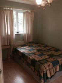 A Double room for rent - 100pw