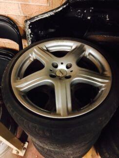 Momo race 17 inch mag wheel Prestons Liverpool Area Preview