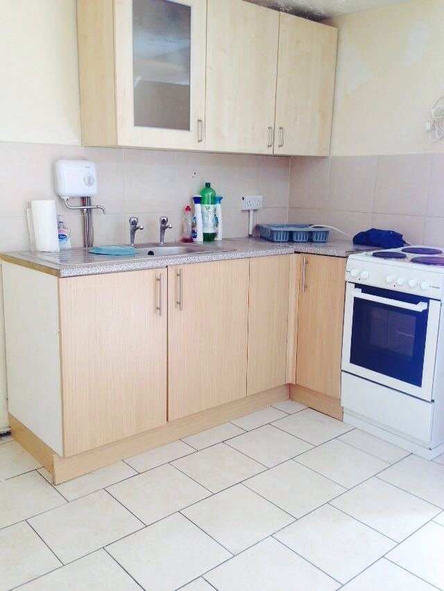 1 BED FLAT TO RENT IN BARKING FOR £950 ALL BILLS EXCLUDED!! 5 MIN WALK TO BARKING STATION!!