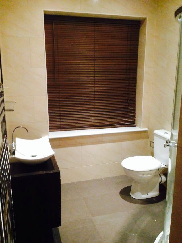 LARGE HOUSE WITH 6 ROOMS AVAILABLE.SINGLE & DOUBLE ROOMS LESS THAN 10 MINS WALK TO GOODMAYES STATION