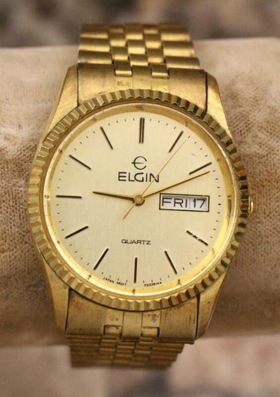 Vintage Mens Estate Jewelry Elgin Quartz Gold Tone & Face Calendar Watch