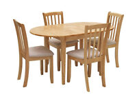 Banbury Solid Wood Dining Table with Four Chairs Excellent Condition