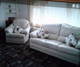 Cream Leather 3 piece suite. Fair condition. Collect only. Reasonable offer considered