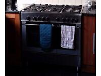 Free - Range Cooker - Kenwood 5 burner gas hob and 2 electric ovens