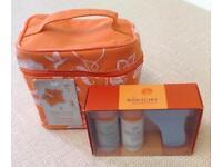 NEW SANCTUARY Vanity Case & Footcare Set