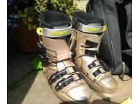 Dolomite size 25 (uk6) ladies ski boots with carry case.