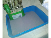 PLAY SAND in small, clean TRAY for INDOOR use