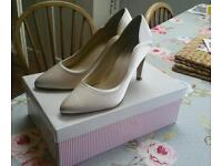 Rainbow Club size 5.5 bridal shoes