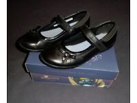 Clark's Ting Fever Jnr Girls School Shoes - Size 1
