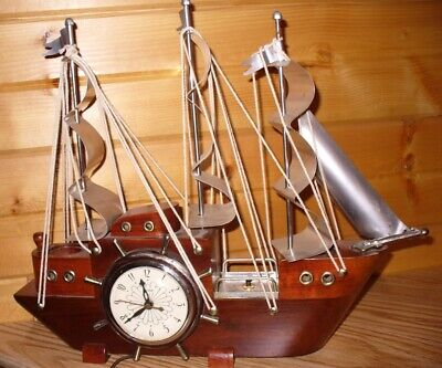 VINTAGE UNITED WOOD and CHROME SAILS LIGHTED SAILING SHIP MANTEL CLOCK