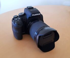 FujiFilm FinePix HS50EXR Bridge Camera