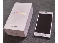 Sony Xperia XZ platinum F8331 (unlocked) 32GB SUPERB CONDITION boxed with original accessories