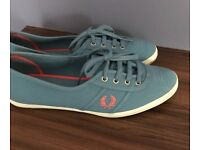 Fred Perry plimsolls size 6