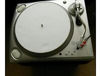 ION RECORD TURNTABLE NEW. PLAYS LP,THROUGH YOUR HIFI SYSTEM