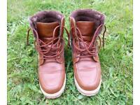 Men boots size 7