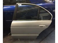 BMW 5 SERIES E39 SALOON n/s passenger REAR door titansilver COMPLETE WINDOW ETC
